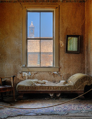 The Old Couch of the Ghost Town of Bodie | HDR (David Giral | davidgiralphoto.com) Tags: california park old city usa mountain church town village view unitedstates interior nevada ghost sierra couch bodie walls miroir hdr nikond200 5xp tthdr tamron1750mm