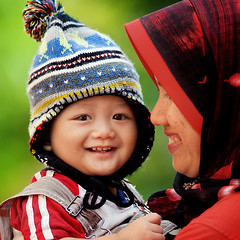 080808 Smile... :-) (wazari) Tags: boy portrait baby love smile face kids pose children square bigeyes eyes nikon asia child emotion expression mother hijab posing son 300mm myson malaysia emotional care ibu motherandson tender kasih anakku melayu malay wajah anak 500x500 potret nikond200 availablelightphotography naturallightphotography anakkecil mywinners haiqal aplusphoto ibudananak 080808 wazari expressi aseankids wazarihaiqal