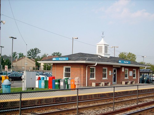 The former  Metra Wood Dale Illinois commuter rail station. September 2007. ( Gone / Replaced.) by Eddie from Chicago