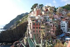Riomaggiore - Il Paese (m.a.s.s.y.) Tags: mare liguria cinqueterre riomaggiore laspezia 5terre