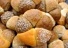 Bread ring - party bread (Peter Arthold) Tags: bread baking baker dough pane brot breadrolls serials breadloafes