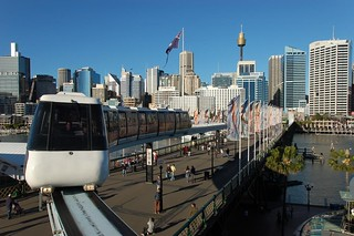 Sydney: Sky Train on  Pyrmont Bridge