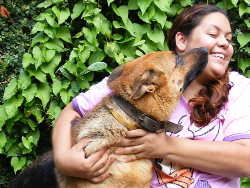 Ninguém pode se queixar da falta de um amigo podendo ter um cão