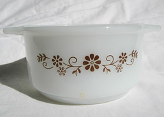 Dynaware Pyr-o-rey Small Casserole (frankcheez) Tags: brown glass floral bowl casserole dishes glasbake pyrorey dynaware