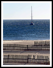The perfect place, just between earth, water & sky (firma) Tags: sea beach landscape spain mare peace