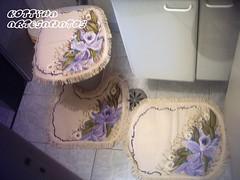jogo de tapete orquidea roxa (klauce) Tags: de tapete jogo mo banheiro pintado