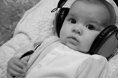 plug it in, please (Patricil) Tags: music baby 3 cute girl rock three emma retro panasonic nia listening musica bonita plug headphones bebe tres meses months rap listen auriculares escuchando enchufe cascos escuchar patricil