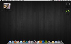 My Desktop!  (Marcos V. Booz Silva) Tags: desktop apple screenshot mac itunes adobe hedkandi cs4 youngfolks macbook zinabre