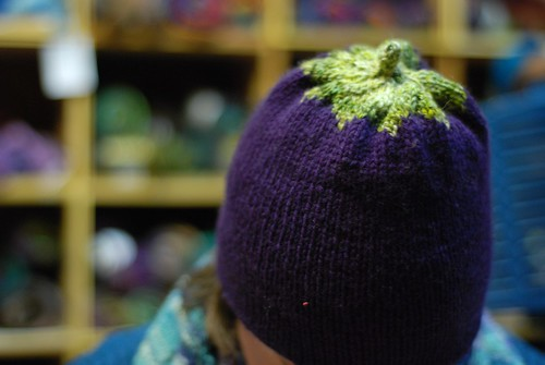 eggplant hat top (by aswim in knits)