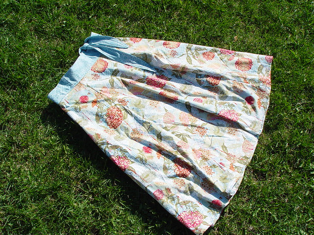 yard sale skirt, view 2