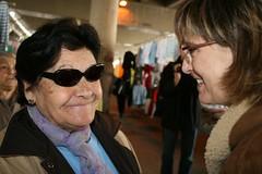 Visita al mercat de Sant Adri del Bess (Dolors Nadal) Tags: 2008 sant adri nadal elecciones mercat dolors generales bess