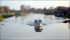 Sinuskruiser (Emil de Jong - Kijklens) Tags: reflection geotagged kanaal alkmaar reflectie boor jacht kruiser flickrfly noordhollands noordhllandsch geo:lat=5264942414074474 geo:lon=4743192901891381 ge:tilt=7244 ge:head=4184 ge:range=15135