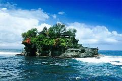 Tanah Lot (pure9) Tags: sea sky indonesia island temple searchthebest tanahlot naturesfinest abigfave seasunclouds beautifulbali poseidonsdance