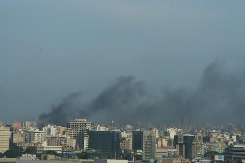 سماء بيروت صباح الإضراب