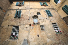 Entrapment (jurvetson) Tags: italy trapped courtyard medieval tuscany siena stranded iconography archaic