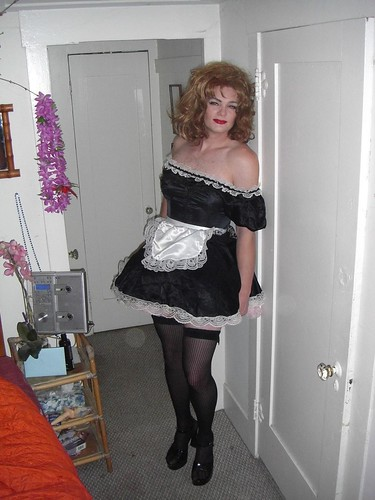 Wish my petticoats would show more!