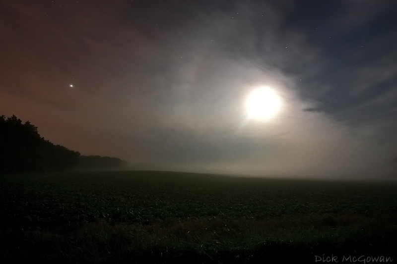Radiation fog + moon + partial moon halo