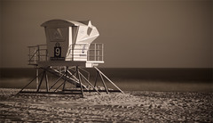 IR Tower (geekyrocketguy) Tags: infrared huntingtonbeach lifeguardtower r72