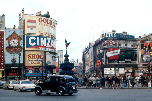 London - Piccadilly Circus by roger4336, on Flickr