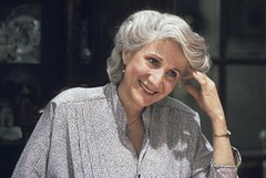 Olympia Dukakis in Moonstruck (djabonillojr.2008) Tags: film movie oscar cher actress winner academyawards moonstruck olympiadukakis bestsupportingactress actressinasupportingrole