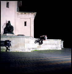 Pete Curved Wall (J Shears Photography) Tags: street uk summer 120 film sports wall cycling bmx fuji jonathan flash spot hasselblad tricks extremesports wallride 120mm shears carlzeiss hasselblad500cm hasselbald sb26 v500 bmxing sekonic sb25 offcameraflash streetriding fujipro160c pocketwizard strobist pocketwizardmultimax nikonsb26 petemoore multimax nikonsb25 jonathanshears epsonv500 film120mm