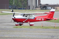N1457U (PHLAIRLINE.COM) Tags: plane aviation flight airline planes skyhawk cessna trenton bizjet ttn 172m n1457u royalkarinaairservice trentonmercerairport
