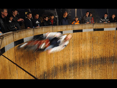 speeding in the wall of death (Toni_V) Tags: motion blur bike schweiz switzerland movement europe indian zurich motorcycle wallofdeath 2008 stunt nohelmet knabenschiessen steilwand toniv iso2500 toniv 1685mmf3556gvr 14092008