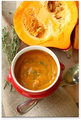 pumpkin puree (C.Mariani) Tags: autumn fall season pumpkin soup hokkaido rustic spoon bowl vegetable september textures half almost organic textiles thyme puree mycreation agro jute healty