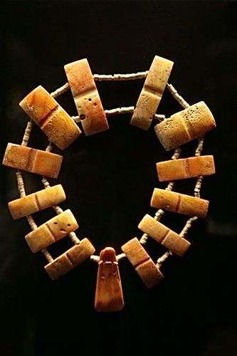 Ecuador-exports-clay-necklace