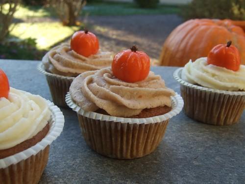Vegan Pumpkin Chocolate Chip Cupcakes