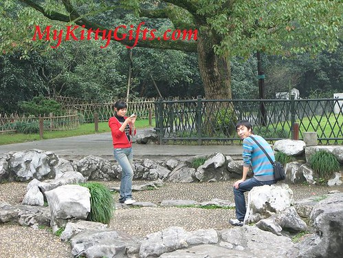 Hello Kitty taking Photograph of Local People at Peony Garden, HangZhou