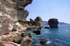 Le Grain de sable (II) (Umberto Luparelli) Tags: sea summer rocks corsica cliffs falaises bonifacio bonifaziu worldtrekker suttarocca