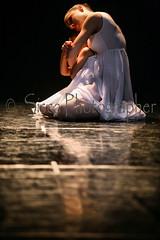 Dance (Siscafoto) Tags: life portrait cute love colors canon women retrato danza details niños moment emotions ritratto detalles emozioni particolarmente ritrattidiof niñosydetalles espressionidellanima