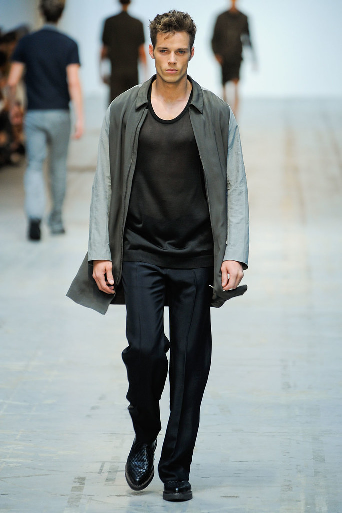 SS12 Milan Costume National Homme013(VOGUEcom)