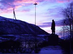 Statue of Amundsen