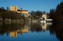 Schloss Hohenschwangau in Lake Alpsee