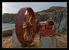 Industrialization Era Artefact (Frankverro) Tags: red wheel canon newfoundland rust iron rusty machinery pulley 1022mm roue machinerie acier industrialization poulie canonrebelxti sleepycove