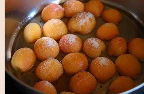 poaching apricots