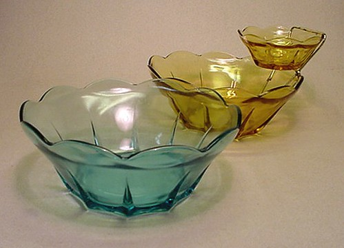 "ANCHOR HOCKING Aquamarine ""SWEDISH MODERN"" Pattern Bowl and Honey Gold Chip & Dip Bowl Set"