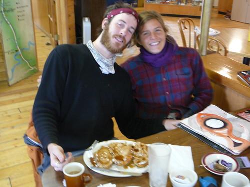 Ben y Kayla , companeros de ruta de la Dalton Highway
