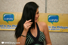 Bea Alonzo Autograph Signing