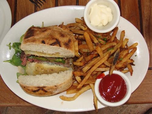 Red's Montana Burger