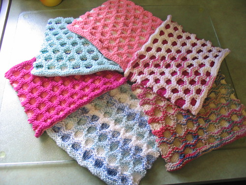 Knitted Circular Dishcloth Patterns : Free Knitting Pattern - Circle Cloth from the Dishcloths Free Knitting Patter...