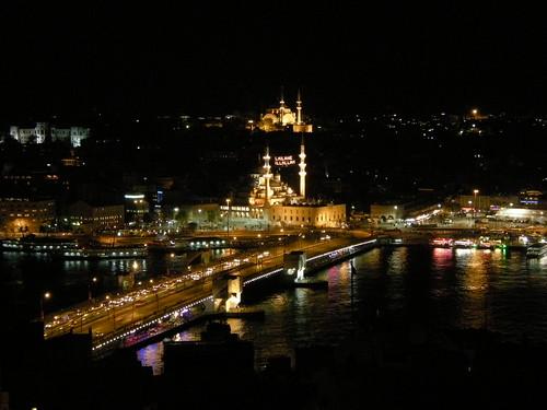 Por la noche la ciudad de Estambul