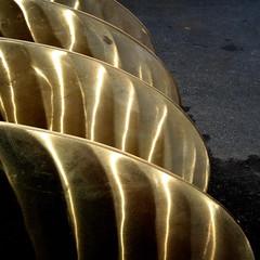 Propellblad -|- Blades of propellor in spe (erlingsi) Tags: abstract bronze square screw loveit oc sq 6100 volda abstrakt bronse propellors mreogromsdal propell scana erlingsi erlingsivertsen latn firkantet superaplus skrfa citrit abstractimagery loveitalwayscommenton5 nikkelaluminiumbronse