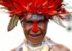 Papua New Guinea feathers headdress (Eric Lafforgue) Tags: pictures red portrait woman face hat rouge photo femme picture makeup tribal chapeau png tribe papua ethnic plumes headdress headwear ethnology headgear tribu  ethnologie coiffe h3d ethnique 8867 papuaneuguinea lafforgue ethnie papuan papouasie papouasienouvelleguine papouasienouvelleguinee papoeanieuwguinea papusianovaguin   papuanwoman    paapuauusguinea  papuanovaguin papuanovguinea   bienvenuedansmatribu