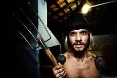 The Rake Man (Csar Ovalle) Tags: brazil man guy brasil rake homem ovalle araras cesinha rastelo csarovalle firicardo cesarovalle