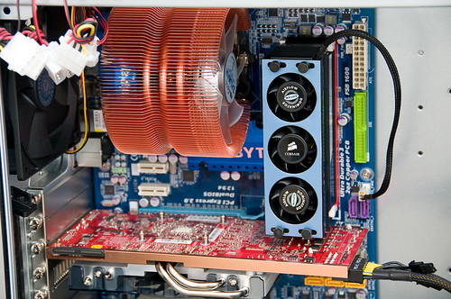 pc build - ud3r, cpu heatsink, corsair ram fan, ati 4870