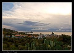 nuvole all'orizzonte (Andrea Rapisarda) Tags: sea italy nature clouds photography photo italia nuvole mare natura sicily sicilia acitrezza faraglioni acicastello rubyphotographer damniwishidtakenthat rapis60 andrearapisarda
