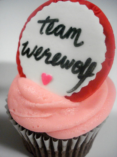 More Twilight Cupcakes - Team Werewolf